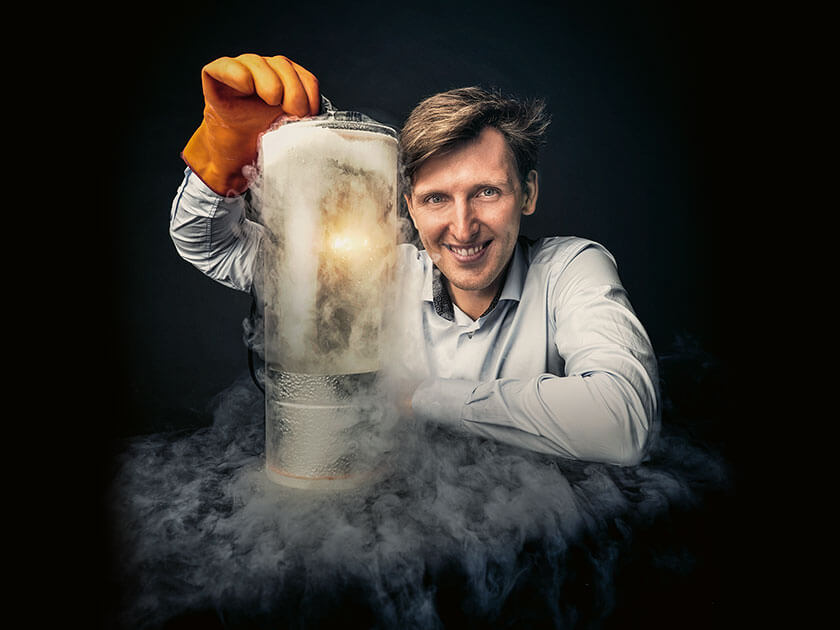 Dr. Matthias Salewski experiments with nitrogen